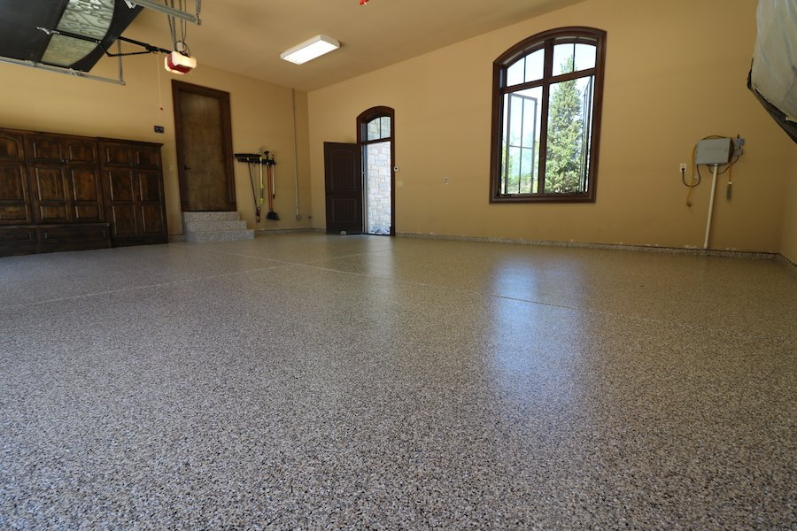 garage floor with epoxy coatings