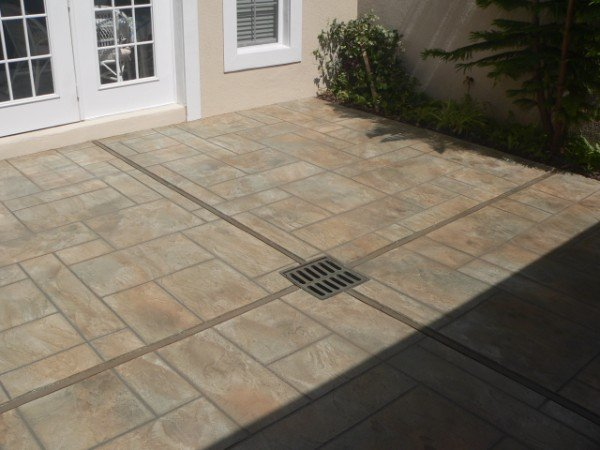 concrete patio travertine